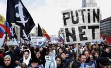 Movilizaciones en Rusia en contra de que se desconecte internet del resto del mundo