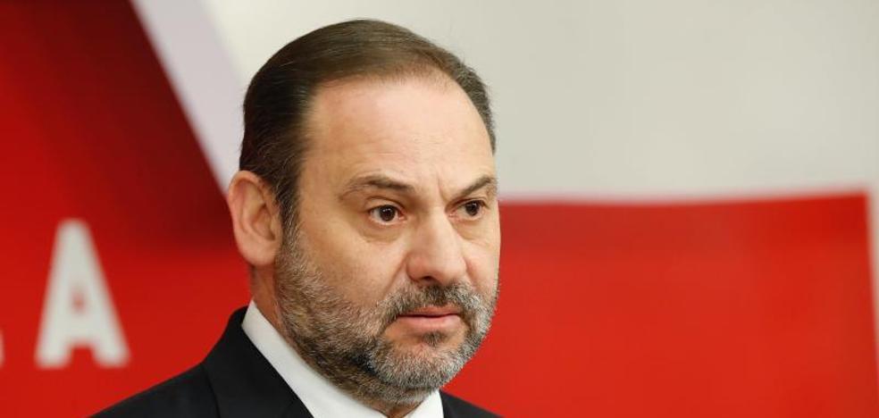 Ábalos rebaja la pugna por las listas y recuerda que todo el PSOE se la juega