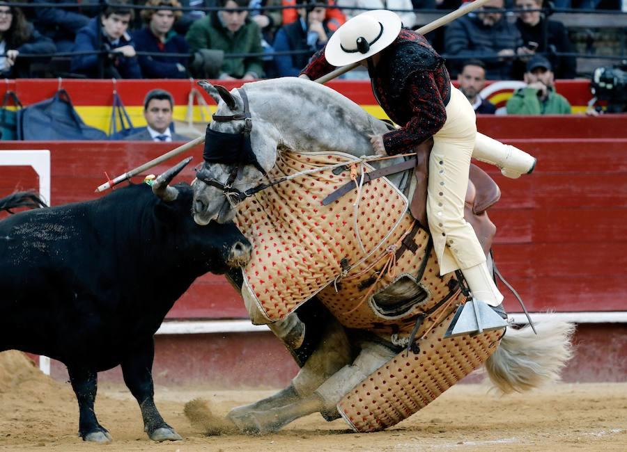 Corrida del miércoles 13 de marzo de la Feria de Fallas: Pablo Aguado corta una oreja en Valencia