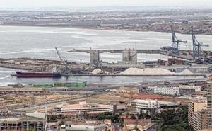El Puerto aprobará en abril el proyecto para las naves cerradas de carga