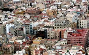 Un niño de dos años, en estado grave tras caer de un cuarto piso en Alicante