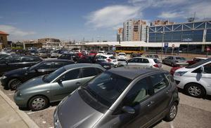 ¿Dónde encontrar plazas de aparcamiento gratis en Valencia en Fallas?
