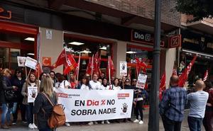 Más de 800 personas contra el ERE que prepara el grupo DIA
