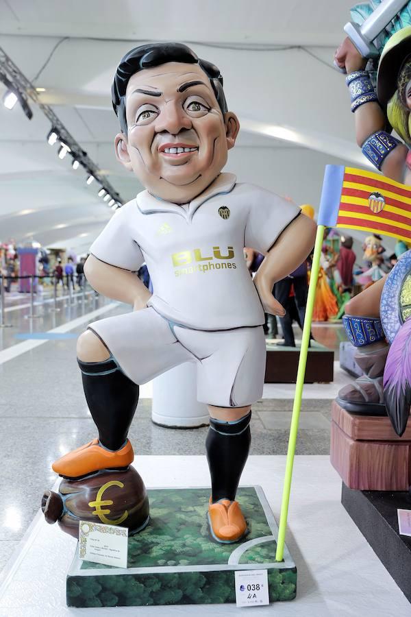 Las Fallas se vuelcan con el centenario del Valencia CF