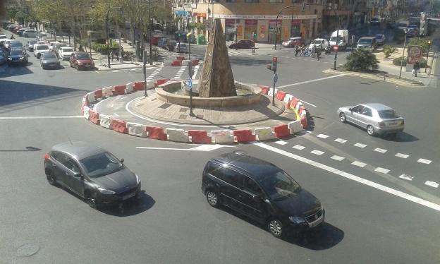 Abiertos a la circulación los carriles bici de Manuel Candela-Tomás Montañana y Avenida de la Constitución