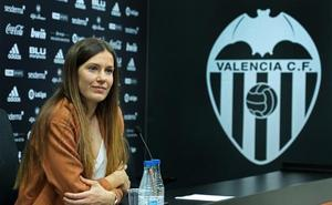 La valencianista Andrea Esteban se retira a los 23 años tras cinco graves lesiones de rodilla