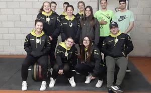 El AC Gandia presenta a medio centenar de halteras para competir en la Liga Nacional