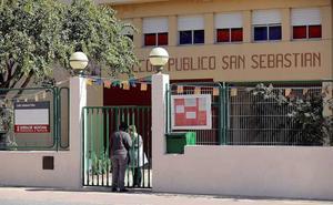 Los psicólogos ya atienden a los profesores y compañeros de colegio de uno de los niños asesinados en Godella