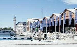 El geolocalizador de los patinetes detectará los que salgan de la Marina