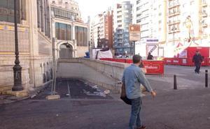 El Mercado Central inicia una operación masiva de limpieza del entorno