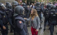Un juzgado de Manresa no aprecia exceso policial en las cargas del 1-O