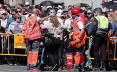 64 atendidos en la mascletà, dos evacuados por ataques epilépticos y otro por cólico nefrítico