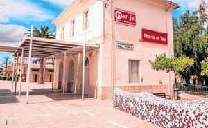 El Ayuntamiento de Riba-roja remodela el espacio urbano