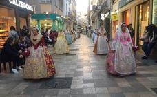 Las Fallas de Gandia estrenan Virgen en l'Ofrena y la honran con más de 4.000 ramos de claveles