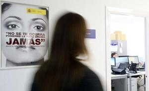 La oficina de violencia de género, con más agentes y horario tras las quejas