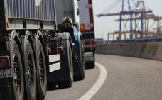 Alerta en el Puerto por el peligro de contagio de la protesta de camioneros en Barcelona