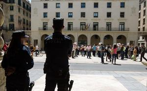Dos detenidos por extorsionar a un empresario bajo amenazas de muerte por una supuesta deuda