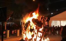 El fuego de la cremà apaga la fiesta en l'Horta