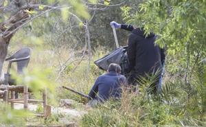 Analizan varios palos para identificar el arma utilizada para matar a uno de los niños de Godella