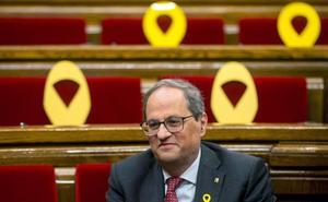 El defensor del pueblo catalán recomienda a Torra que retire los lazos durante el periodo electoral
