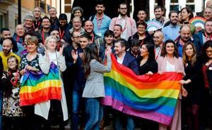El Gobierno central cuestiona la ley LGTBI valenciana