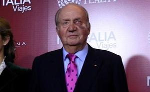 El rey Juan Carlos reaparece con un fuerte moratón en el ojo