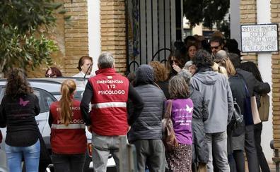Dolor y silencio en el adiós a los niños asesinados en Godella