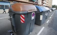 La conselleria baraja recoger la basura puerta a puerta o utilizar un chip