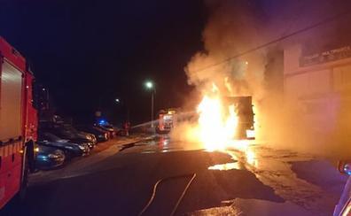 Explosiones en un camión de la basura en Torrent