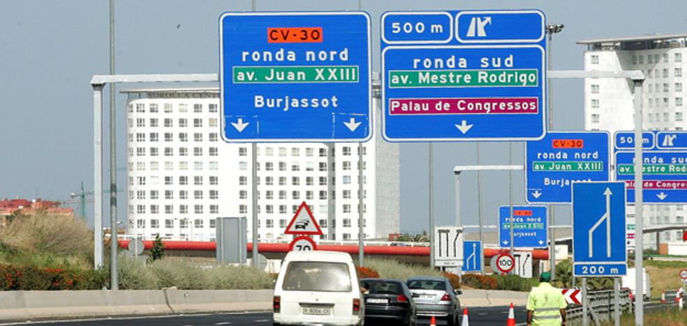 Vídeo   Dura multa a una mujer cazada en patinete y con auriculares por dos autovías de Valencia