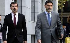 Dos mandos de los Mossos testifican en el juicio con el futuro de Trapero en juego