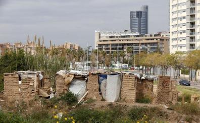 Vecinos alertan de la inseguridad por el chabolismo en la huerta de Valencia