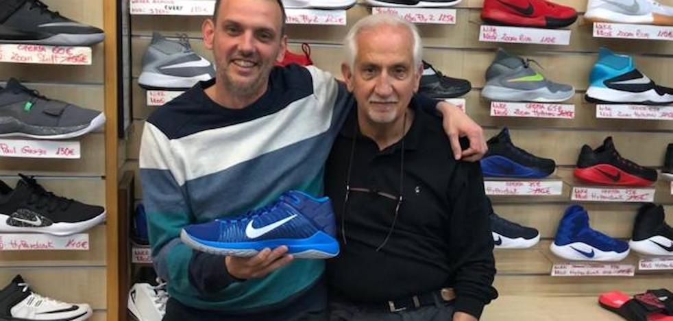 Cierra la tienda Deportes Arnau tras 57 años de actividad en Valencia