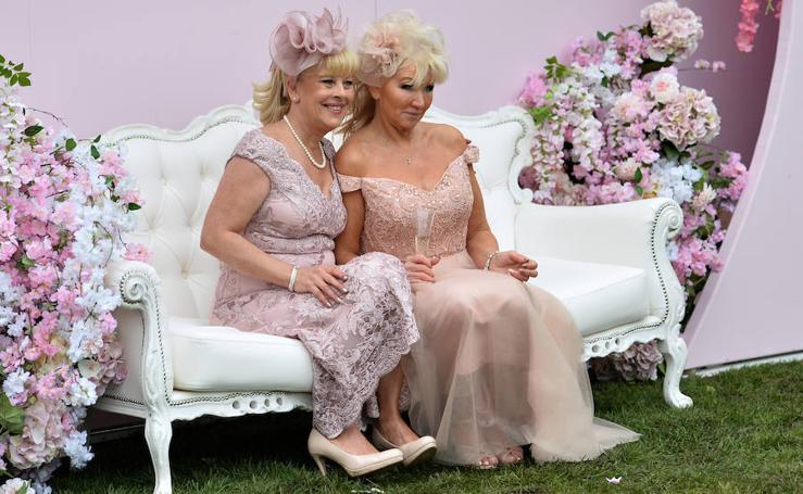 'Ladies Day': glamour y desmadre en Liverpool