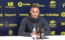 Detienen a Rober Correa, jugador del Cádiz, por orinar y ocasionar daños en un cajero