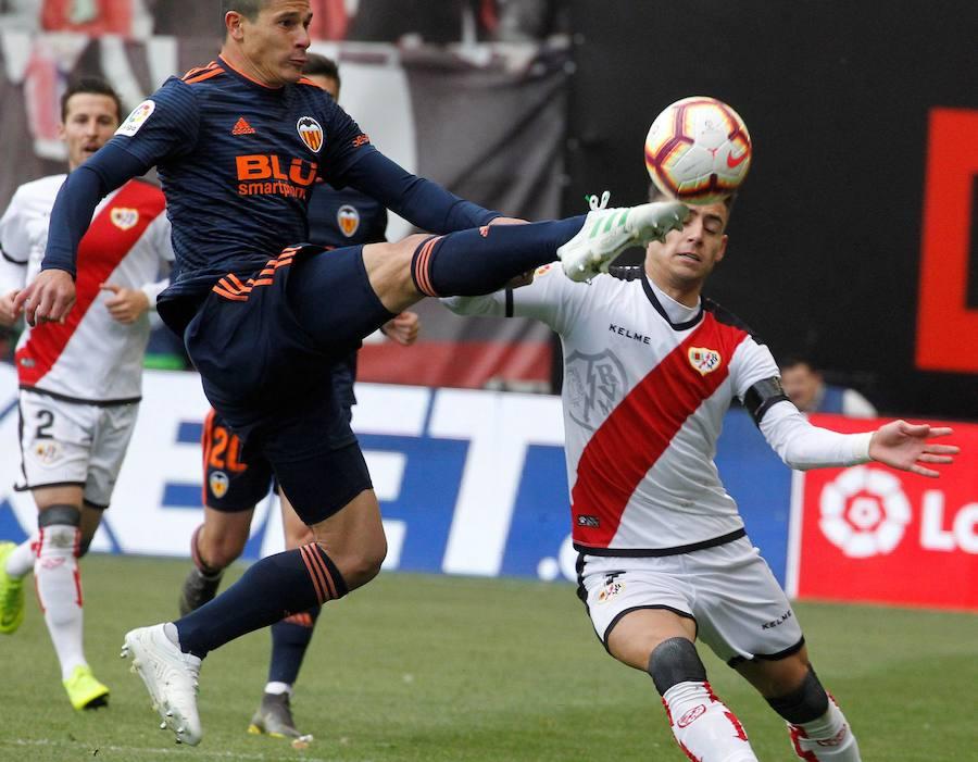 El encuentro entre el Rayo Vallecano y el Valencia CF en imágenes