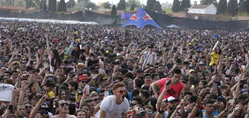 Las paellas universitarias se trasladan a Valencia tras la negativa de Moncada