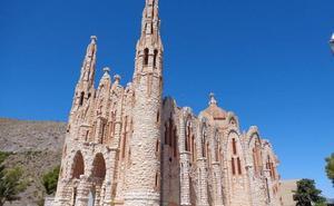 Una ruta por la pequeña Sagrada Familia y otros edificios modernistas de la Comunitat