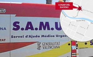 Herido un trabajador al caer desde un contenedor a 4 metros de altura en Massanassa
