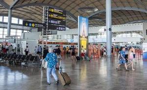 Desalojan de un avión en Alicante a un equipo de fútbol aficionado inglés