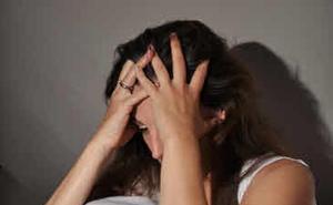 Una joven salva su vida porque acude al médico con los síntomas de una borrachera
