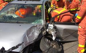 Un choque entre dos vehículos deja dos heridos en Picanya