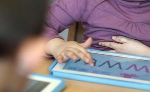 Un niño bloquea el iPad de su padre por más de 48 años