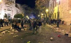 Las fiestas desbordan al Ayuntamiento de Valencia