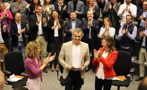 Cantó promete llevar a Alicante una conselleria y la Agencia de Turismo