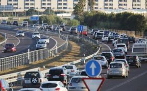 Largas retenciones en tres de los principales accesos a Valencia