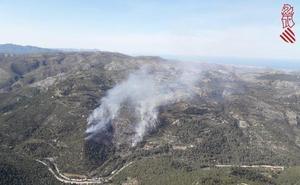 Controlado el incendio forestal de Castell de Castells