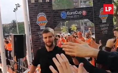 Los jugadores del Valencia Basket llegan a la Fonteta para el tercer partido de la final
