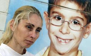 La madre de Yéremi Vargas se derrumba tras recibir la tarjeta censal de su hijo, desaparecido desde 2007