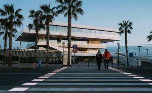 La Marina estrena los primeros pasos de peatones inteligentes de Valencia